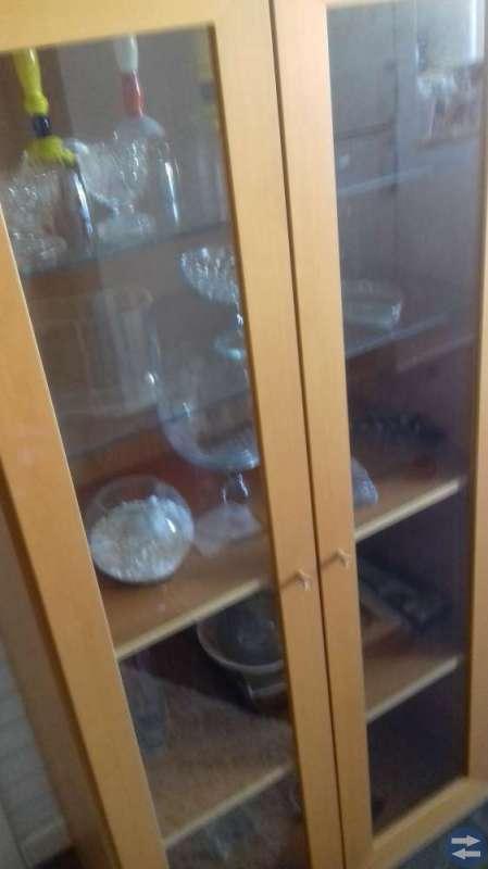 Hylla vitrinskåpet  hylla med lådor
