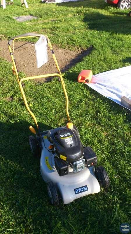 Gräsklippare självgående säljes