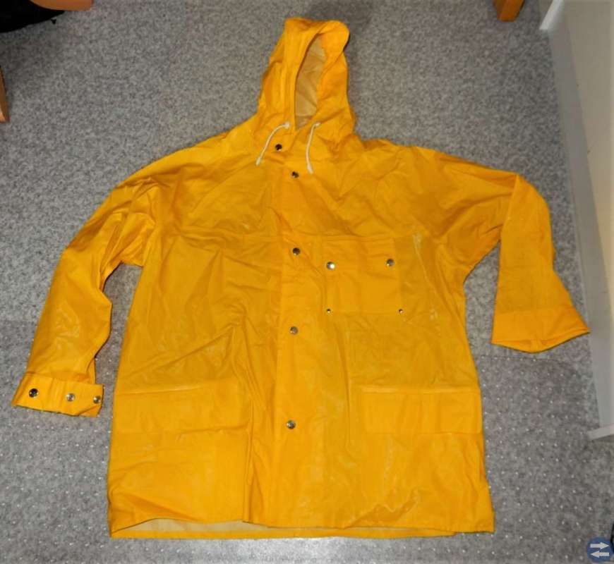 Er på jakt etter gamla Helly Hansen  regnkläder