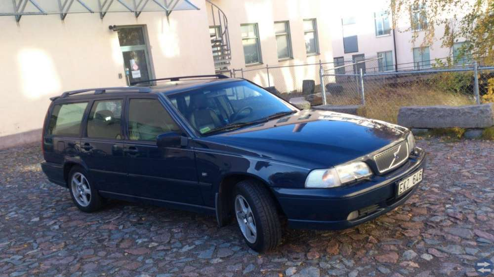 Volvo V70-00