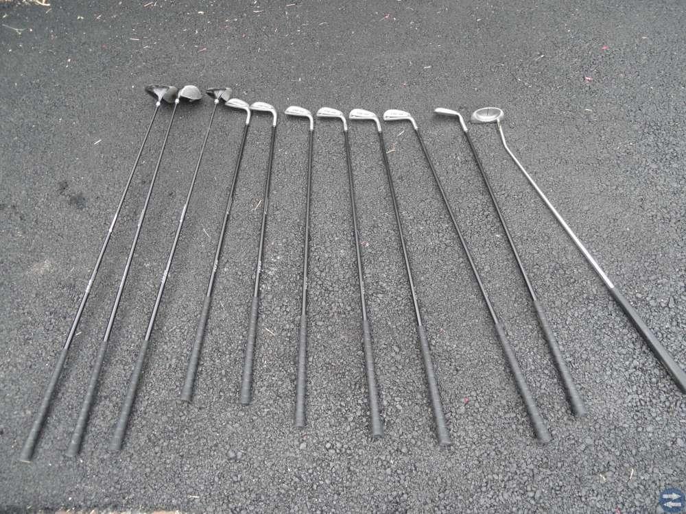 Golfset: 10 klubbar, bag och vagn