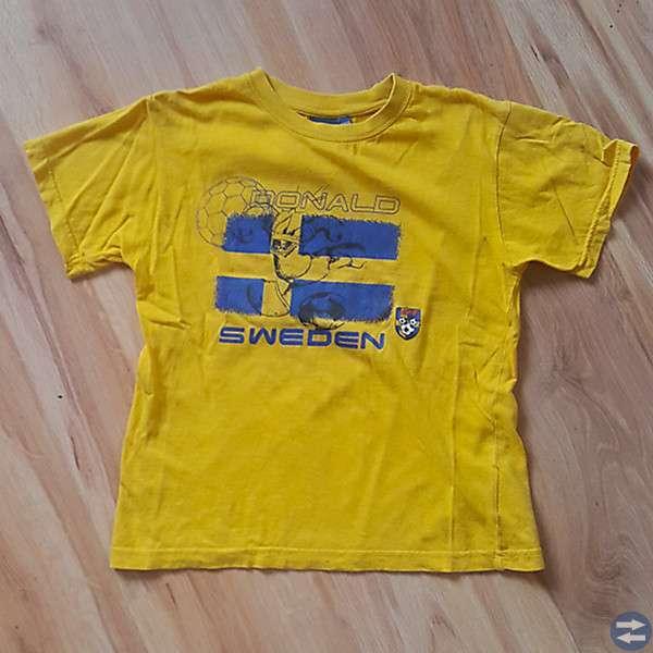 Disney-t-shirt med fotbollstryck stl 122/128