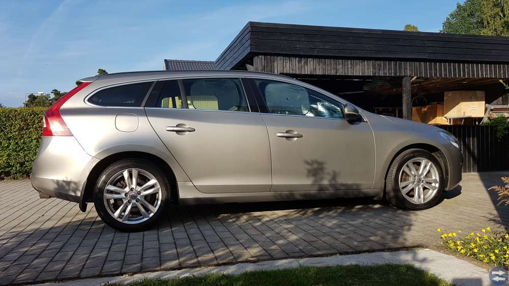 Volvo V60 T3 S/S Momentum Limited Edition