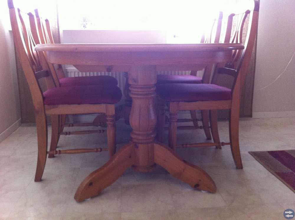 Bord+ 4 stolar