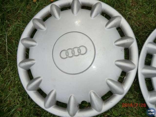 4 st Audi hjulsidor original 16 tum