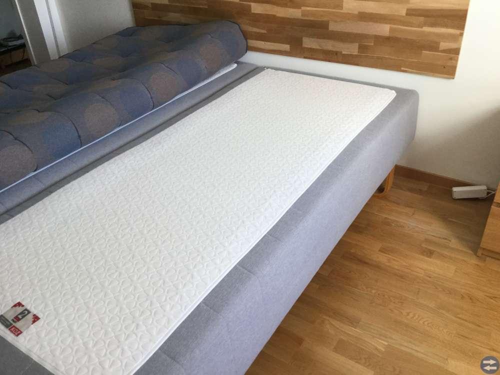 Fina sängar två st 90x200 ink bäddmadrass