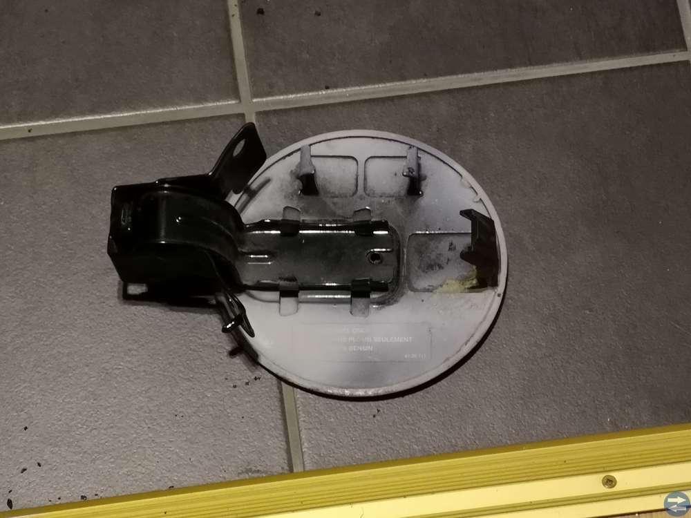Saab 9-5 tanklock