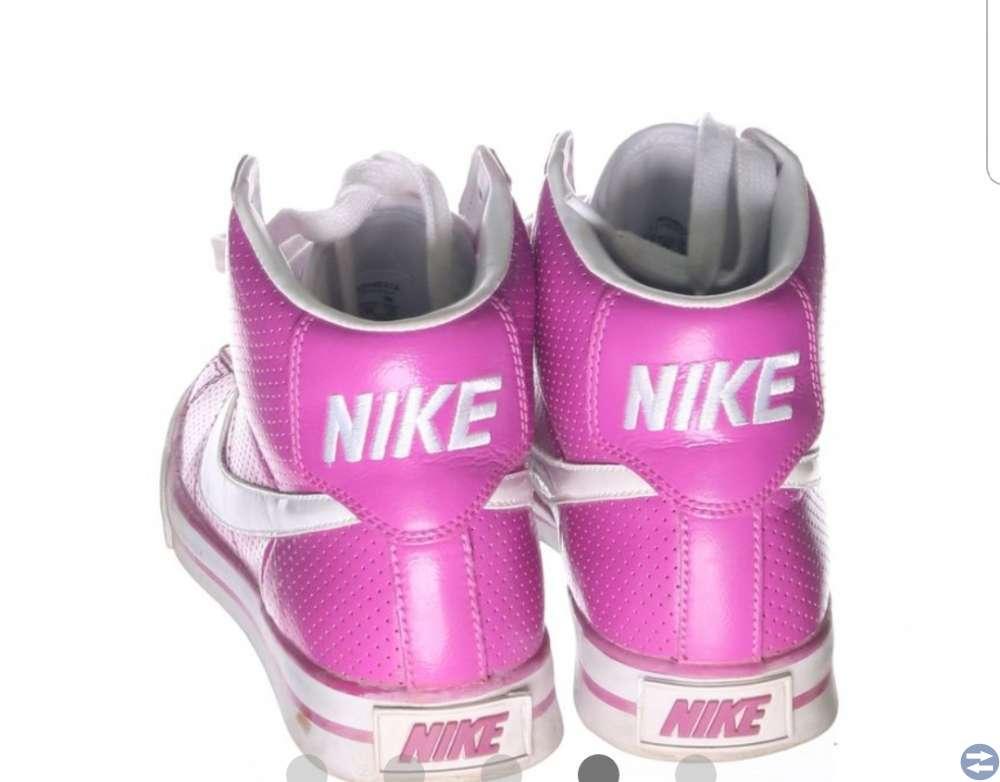 Nike skor stl. 38