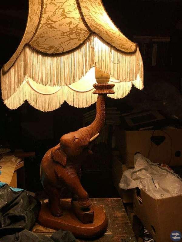 Taklampor, bordslampor, och en golvlampa, billigt!