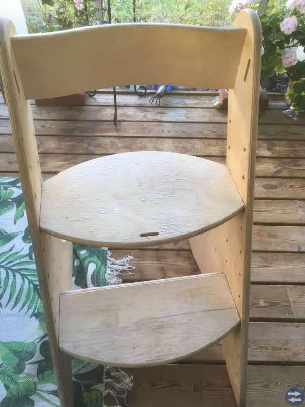 Barnstol i trä - finns i Hsand