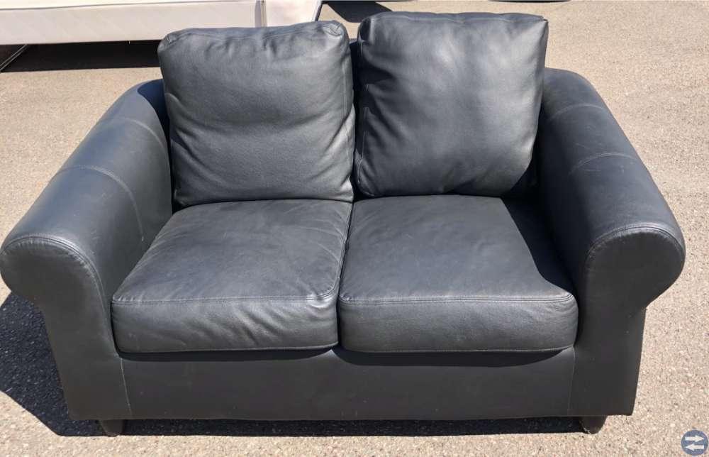 Soffa 2-sits och skrivbordsstol