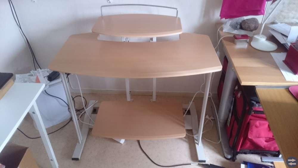 Gammalt ek matbord + Databord + Flossa mattor