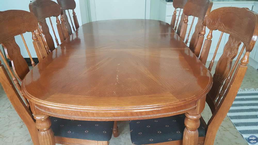 Matbord 6 stolar