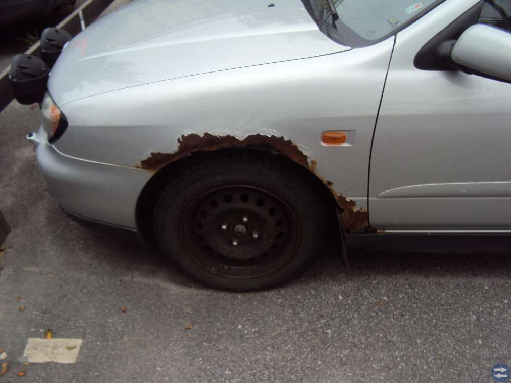 Nissan Primera 01