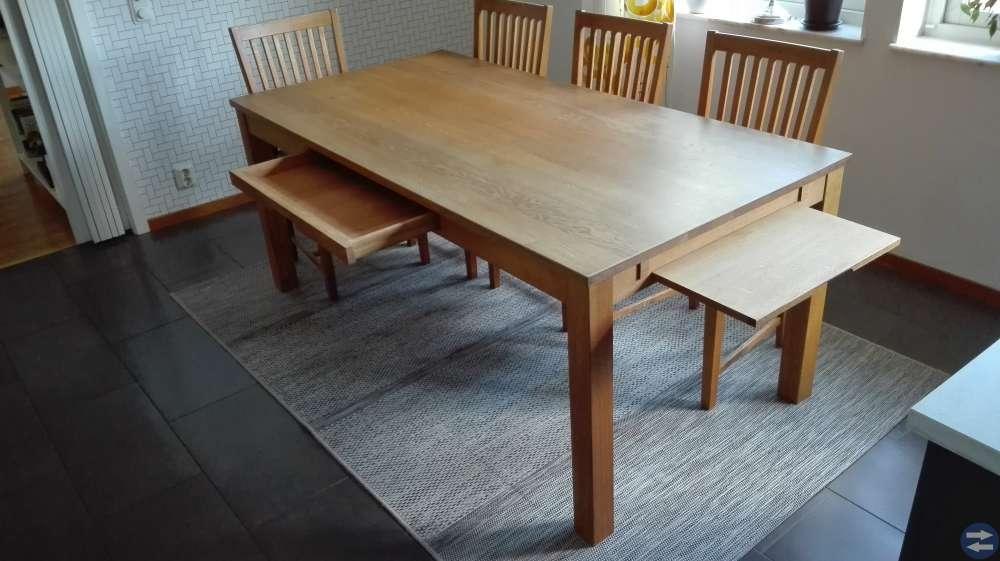 Ekbord med 6 st stolar