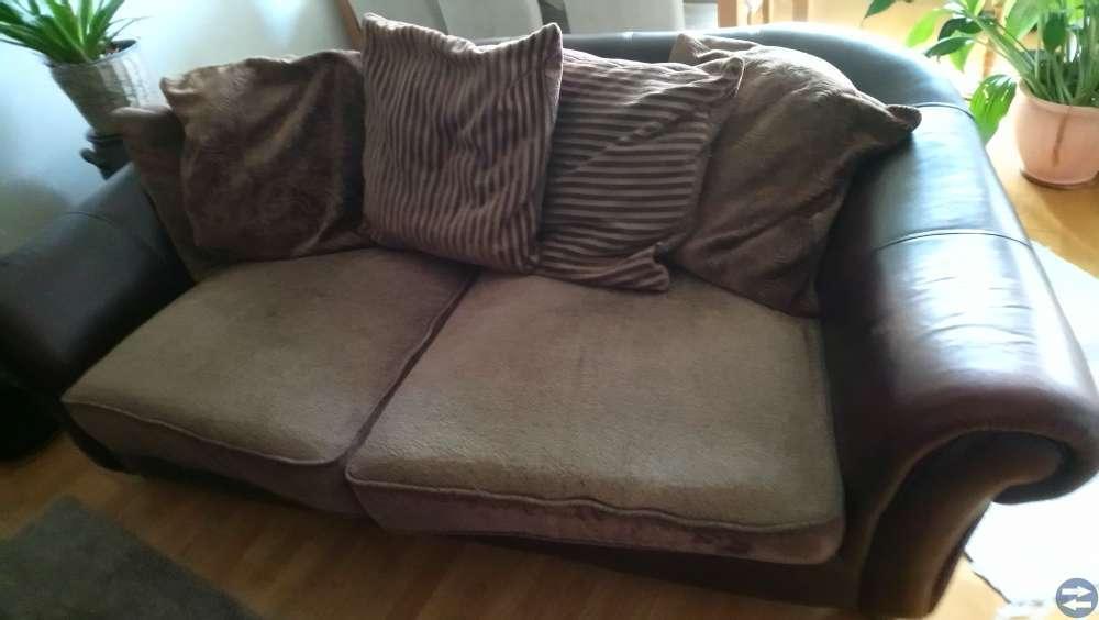 Soffa stor 2 sitsig skin o tyg