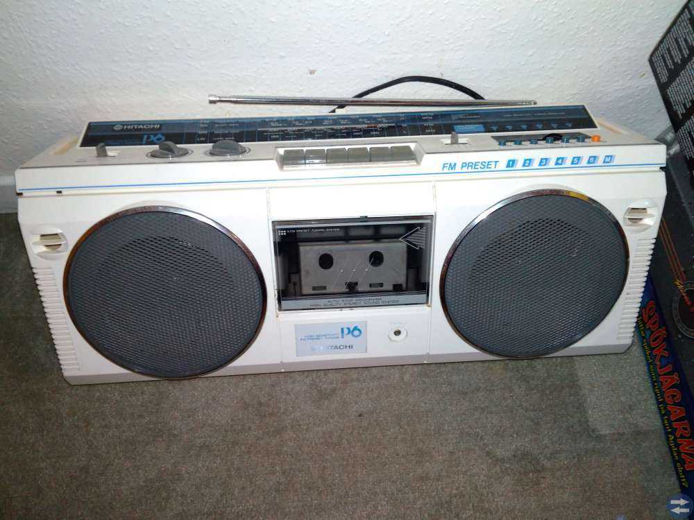 Hitachi Radio/Kasettbandspelare