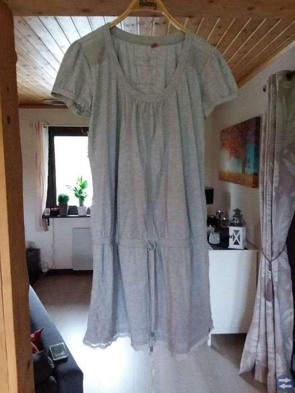 Kjol och klänningar