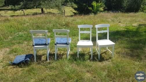 Bord med utdragsskivor samt 6 stolar