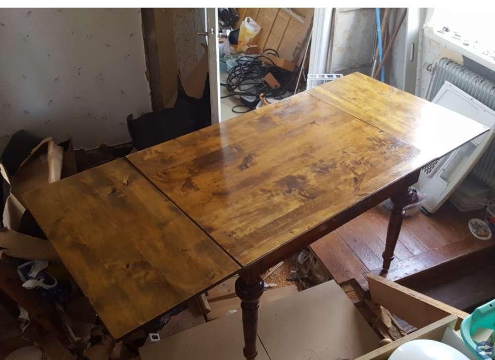 Gammalt. Antikt  bord