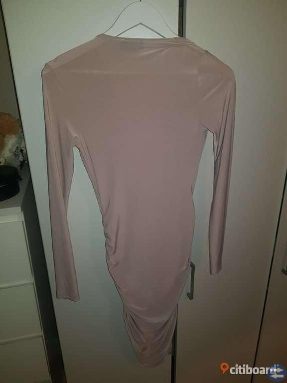 100 kr klänning oanvänd