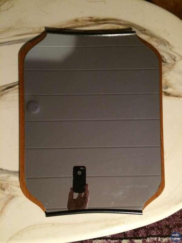 Spegel höjd 54 cm