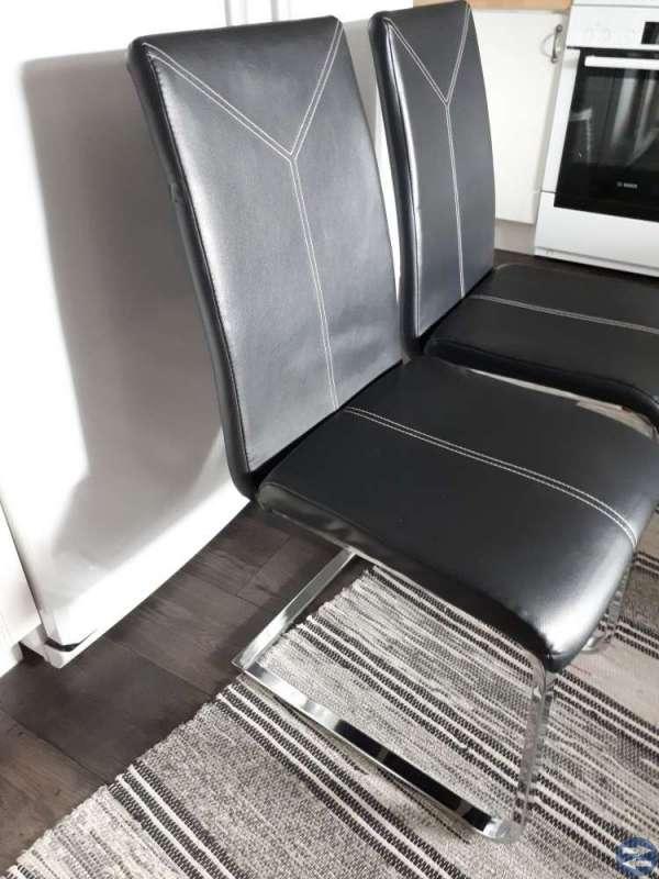 4 stolar med svikt