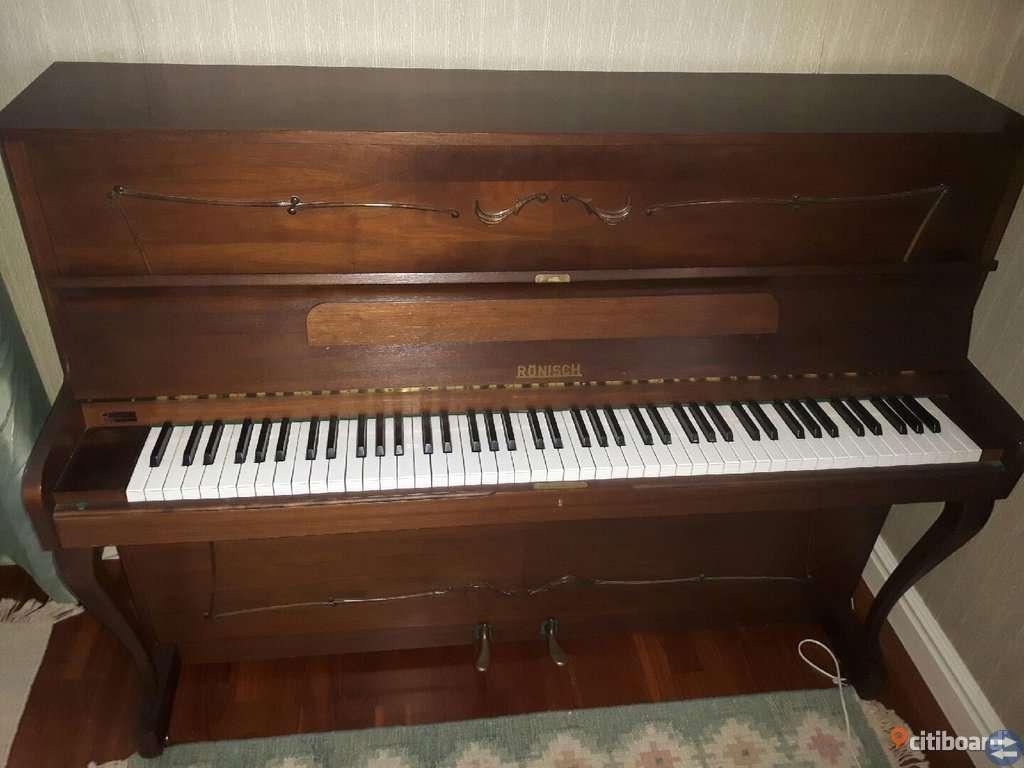 Piano i gott skick bortskänkes