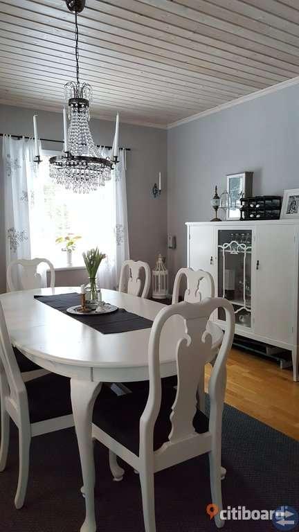 Fint bord och 6 stolar