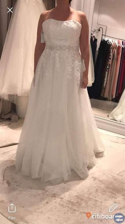 Lily Bröllopsklänning