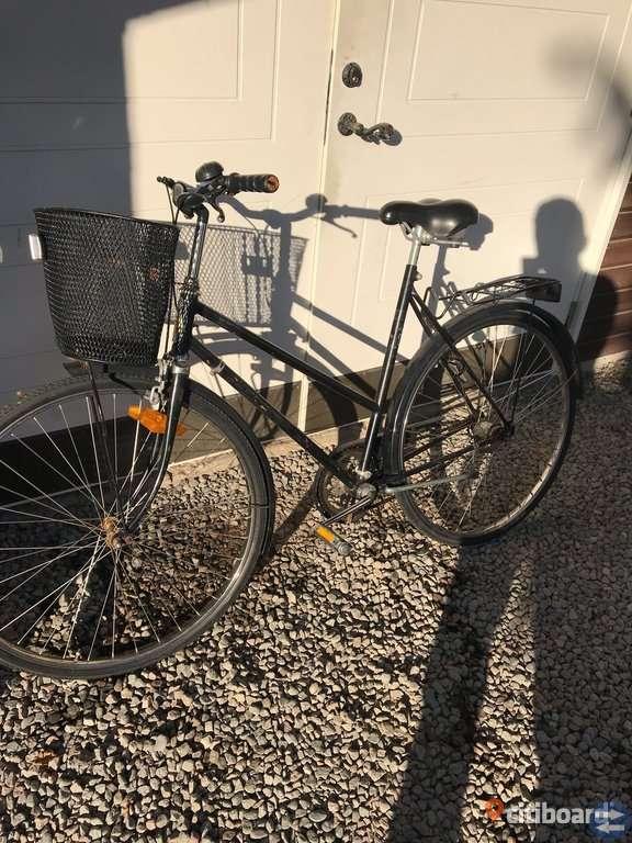 Svart crescent cykel