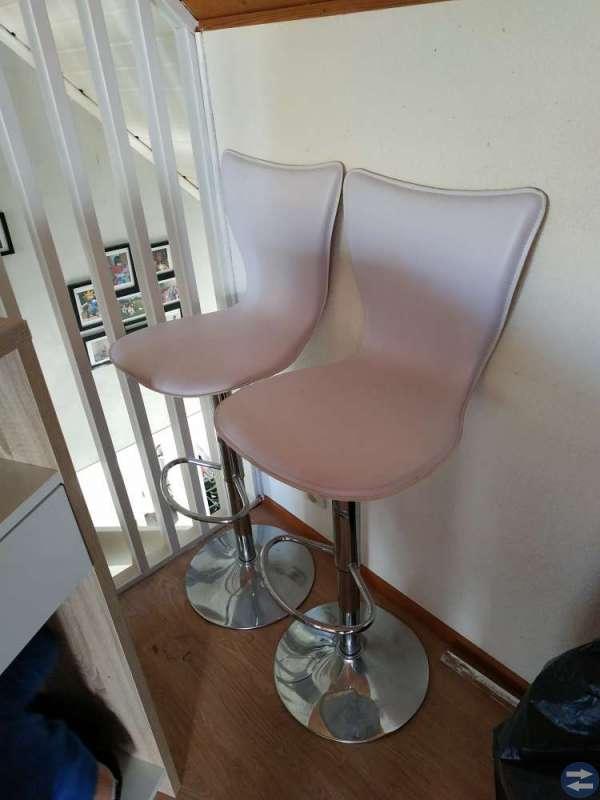 Barbord + 2 stolar