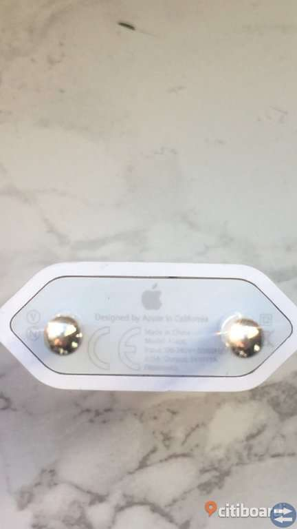 APPLE ORIGINAL IPHONE CHARGER AND PLUG