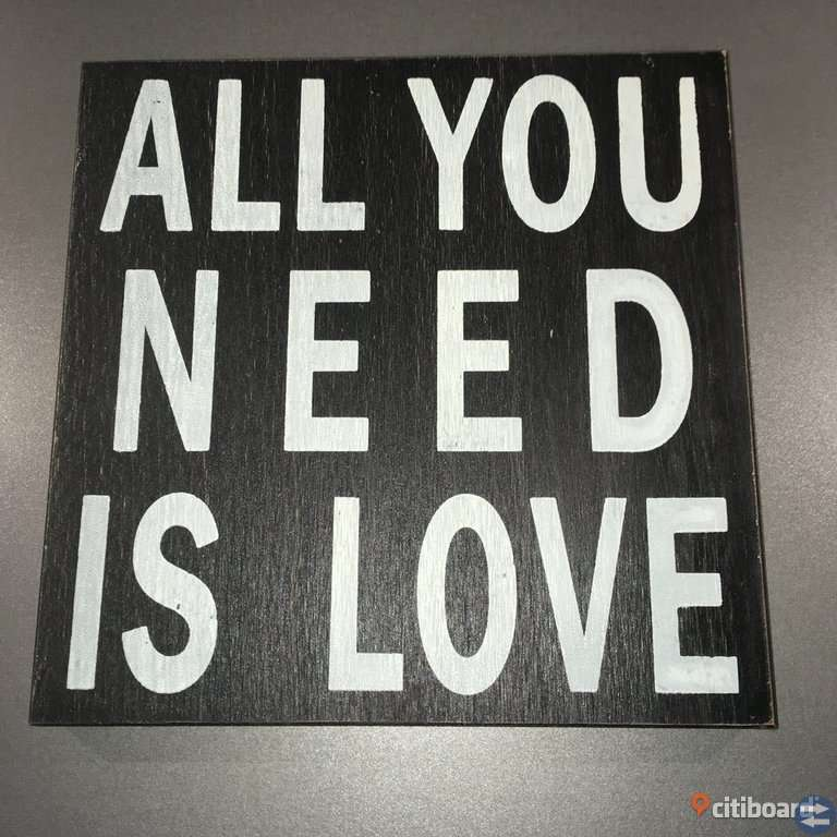"""ALL YOU NEED IS LOVE"" TAVLA"