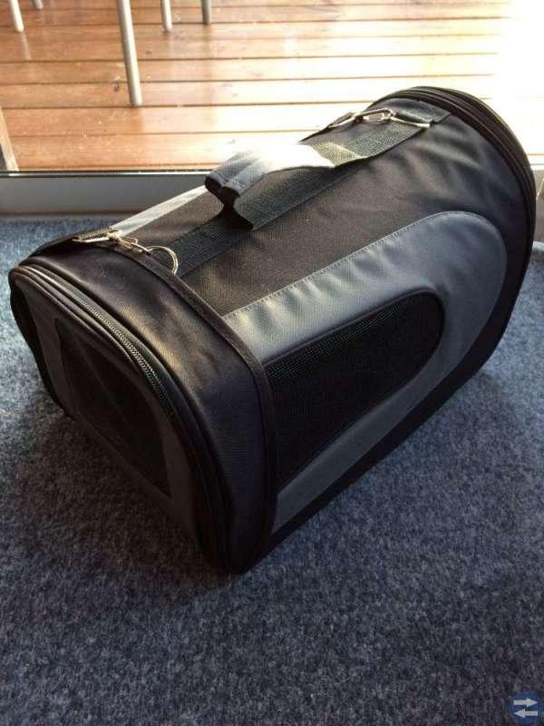 Transportväska för katt eller liten hund.
