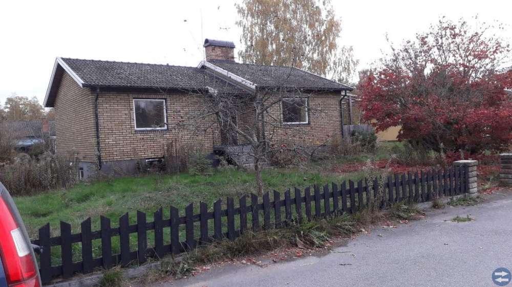 Friliggande villa Lindås 450 000:-el högstbjudande