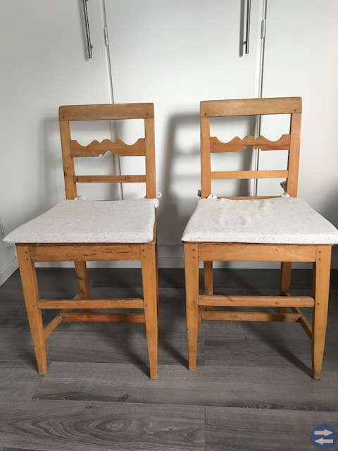 Klaffbord med 2 stolar