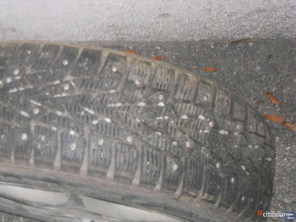 4st Duppdäck på Aluminimfälg 185x65x15 bra mönster djup 8 mm mönsterdjup ok dubb passar alla Audi