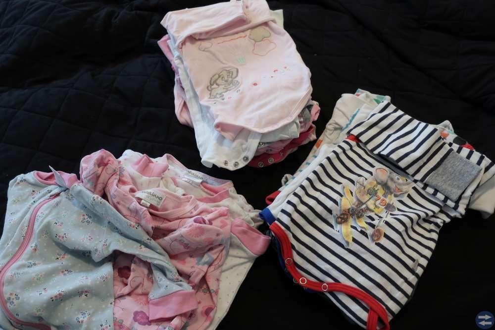 Barnkläder i strl 50,56,62,68,74