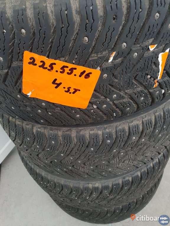 Däck 225/55R16