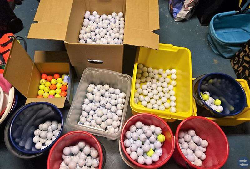 Återvunna Golfbollar