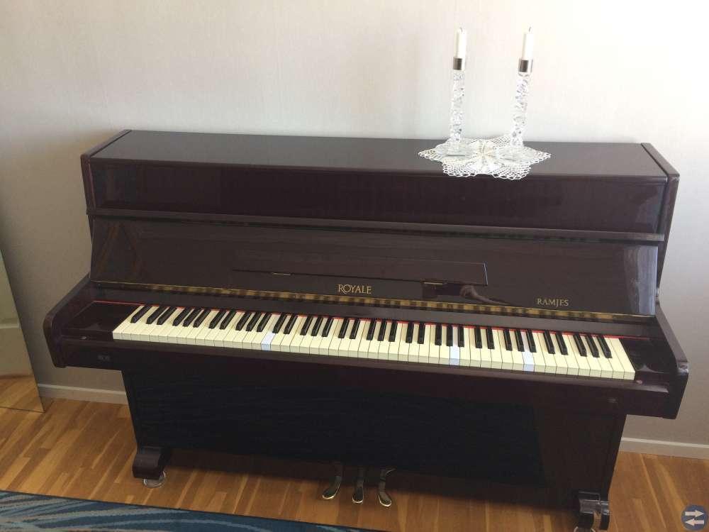 Piano bortskänkes
