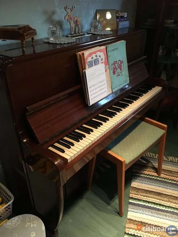Sovrumsmöbler och piano