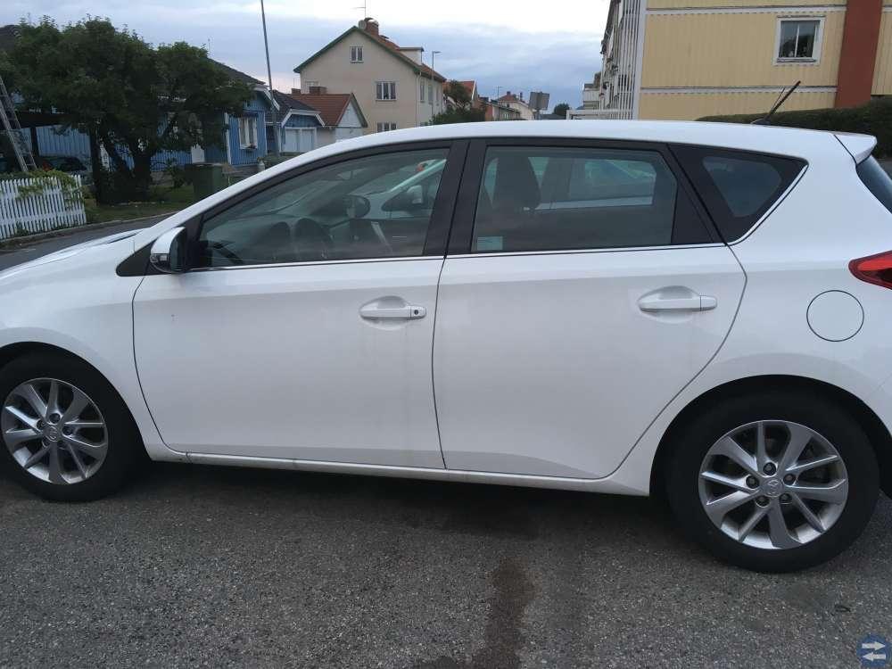 Toyota Auris Nybesiktigad