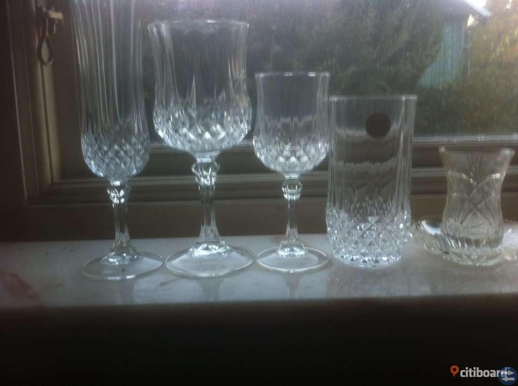 Franskt kristallglas av högsta kvalitet.