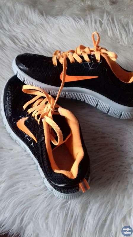 7b346aab9f5 Nike skor - Faluntorget.se - Annonsera gratis på Faluns bästa och ...