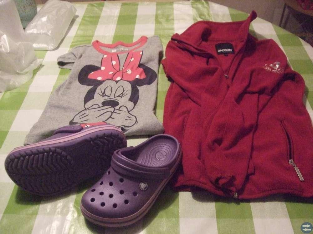 Leksaker, förvaringsboxar, böcker, kläder