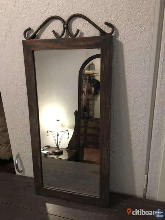 Hallmöbel med spegel