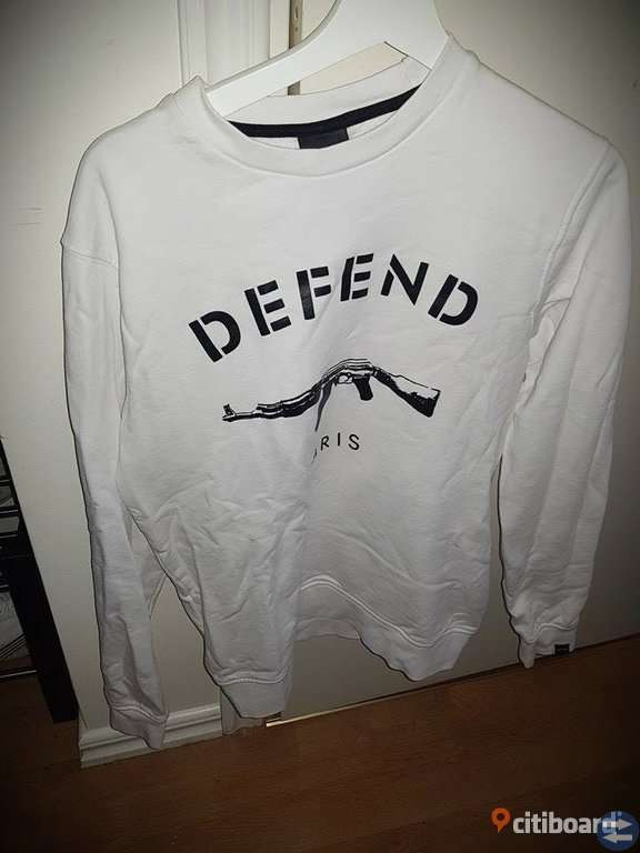 DEFEND PARIS Crewnecks/Sweatshirts