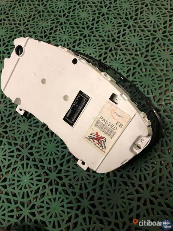 Helt ny Instrumentpanel till Ford Focus-2005